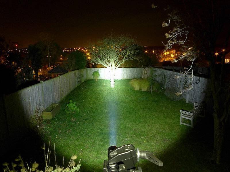 linterna de caza fenix tk15ue de noche